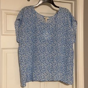 Joie loose fitting top size medium